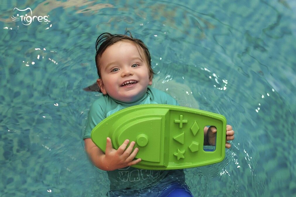 Photo - Let's teach children to swim and dive from birth!