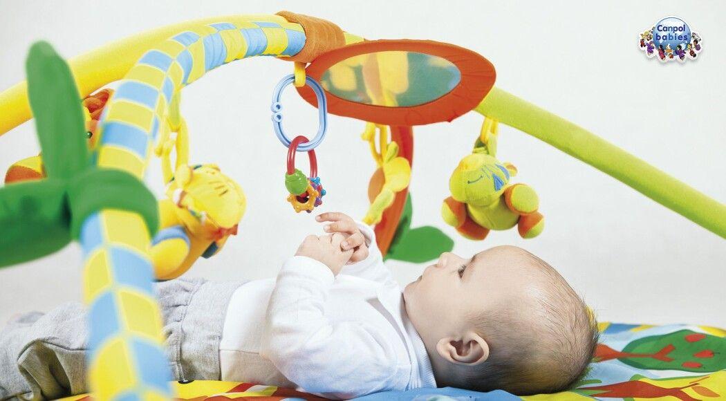 Фото - Топ-5 розвиваючих  іграшок для новонародженого