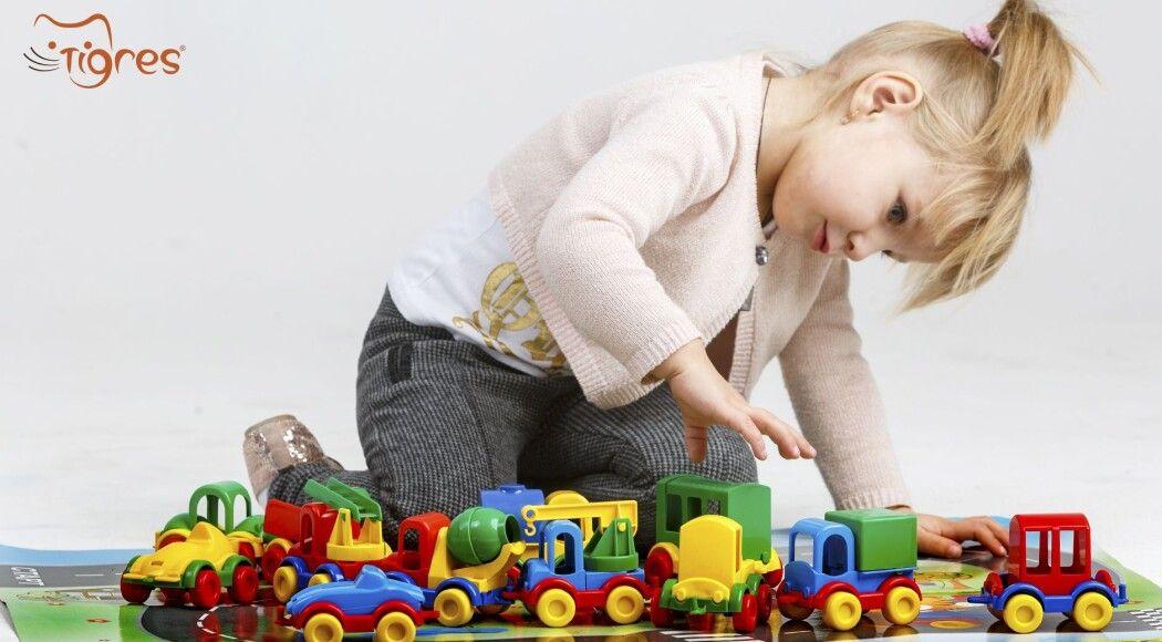 """Фото - Серія машинок """"Kid cars"""" не лише для хлопчиків"""