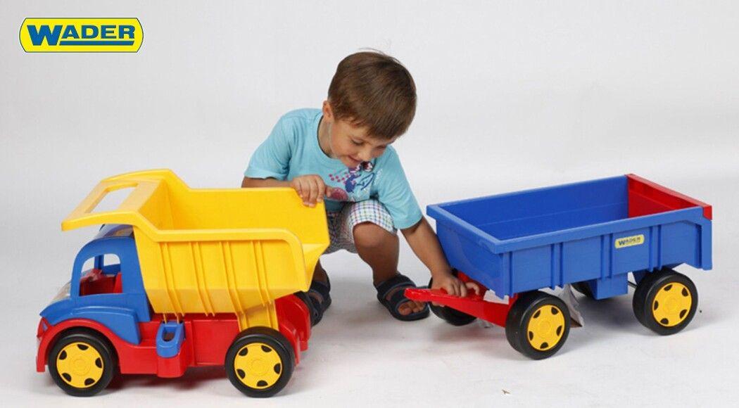 Фото - Машинка  Wader Gigant – іграшка на якій може кататися навіть тато!
