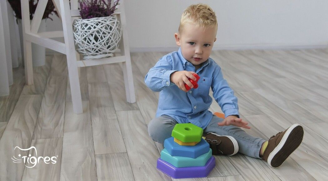 Фото - Пірамідка – перша розвиваюча іграшка маленького генія!