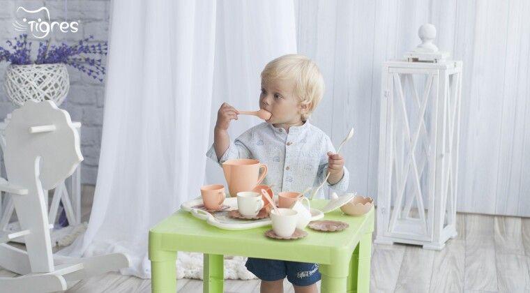 Фото - З чого виготовляють іграшки, або чому ви можете їсти й пити з  іграшкової посудки ТМ Tigres!