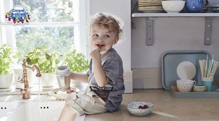 Фото - Догляд за зубчиками малюка