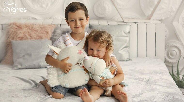 """Фото - Чи варто дарувати дітям """"пилозбірники""""!?"""