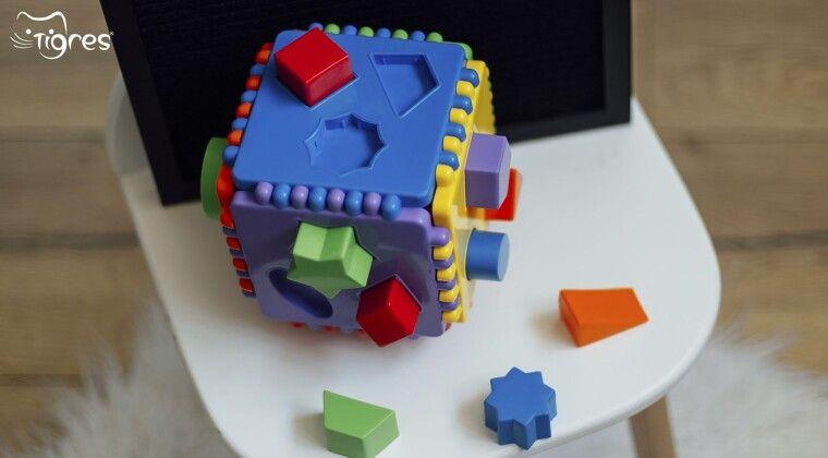"""Фото - """"Educational cube"""" - іграшка-тренажер для розвитку мовлення!"""