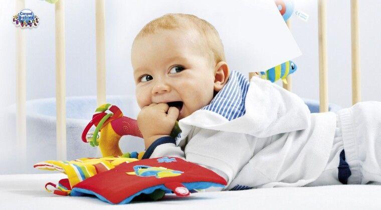 Фото - Брязкальце – перша іграшка дитини