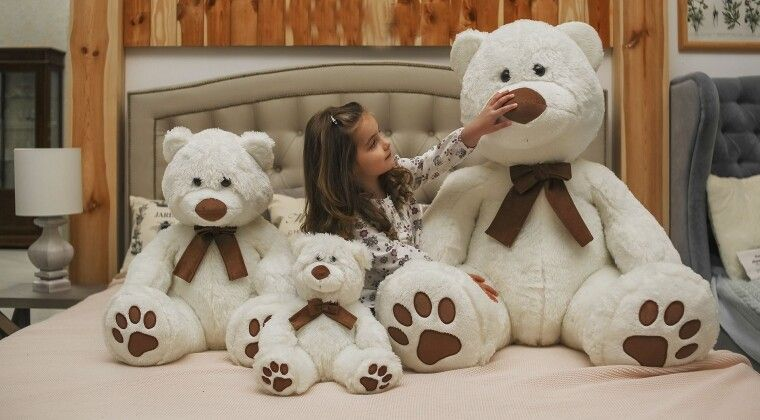 Фото -  М'яка іграшка: подарунок для дітей від 2 років до 102!
